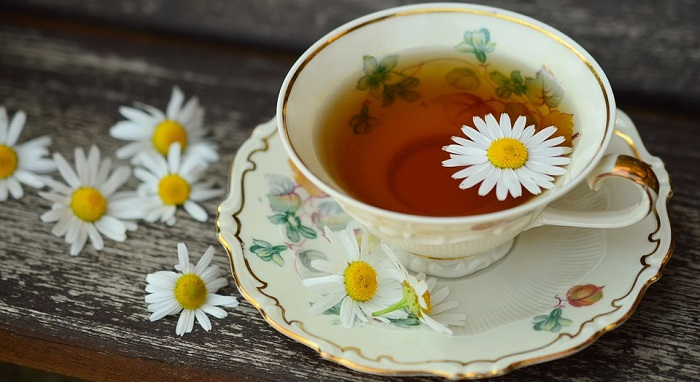 Chamomile Tea for Sore Throat