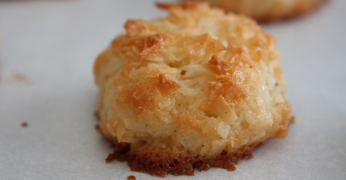 Coconut and Almond Vegan Macaroons