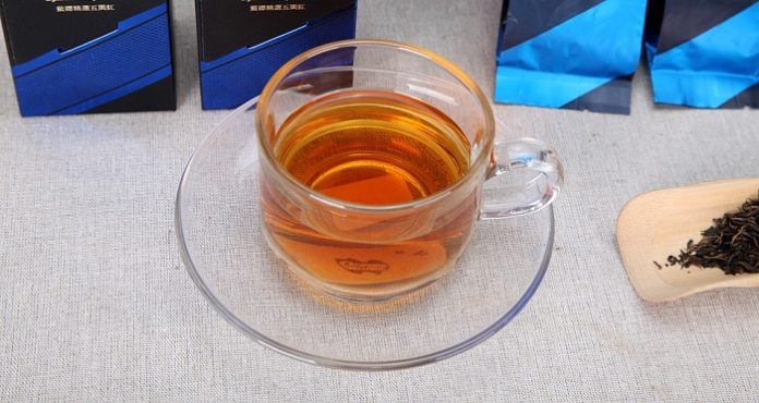 the effects of black tea on A cup of hot tea can do wonders after a tiring day at office this soothing hot beverage has been used from many centuries to calm down our mind and relax our body in various parts of the world, drinking black tea on an everyday basis is quite common while some like to make their cup of tea very .